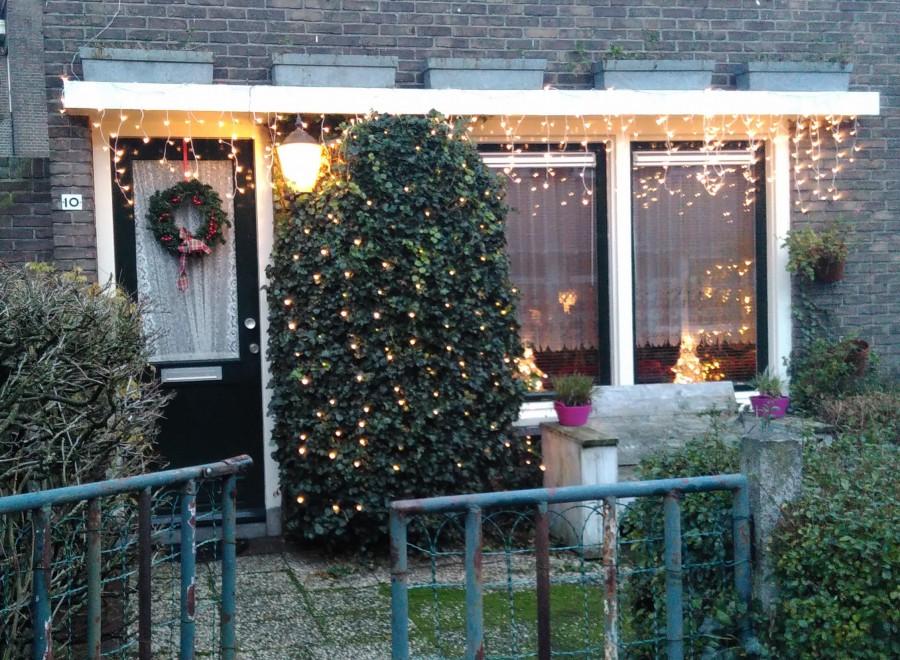 Over kerstdecoratie en de identiteit van de stad